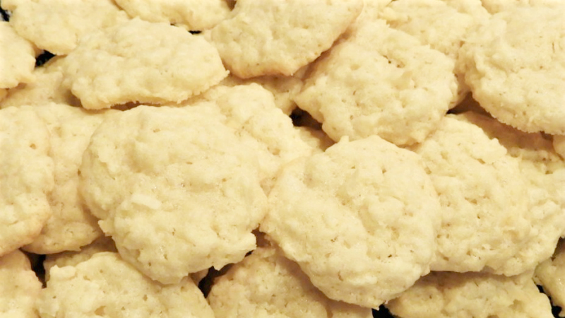 Rich Coconut Macaroons Feature