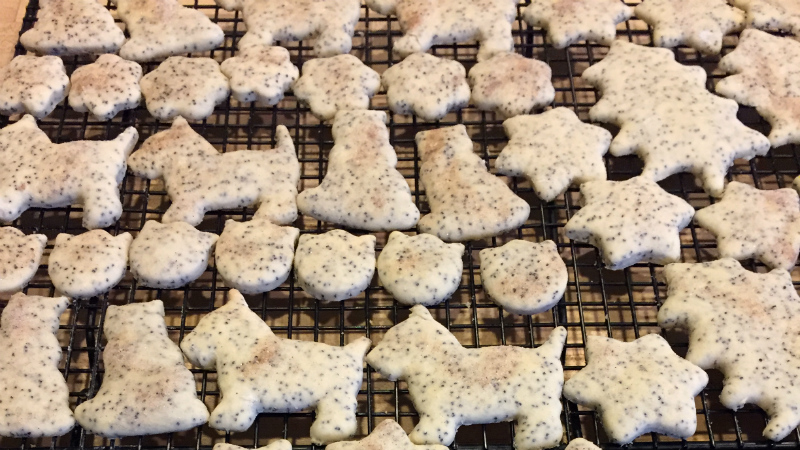 Mother's Poppy Seed Cookies - Feature