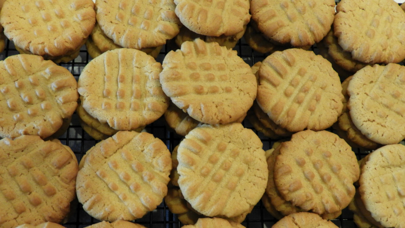 Peanut Butter Cookies - Feature