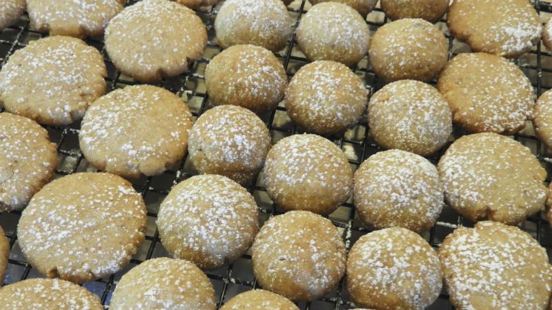 Dutch Honey Butter Cookies - Feature