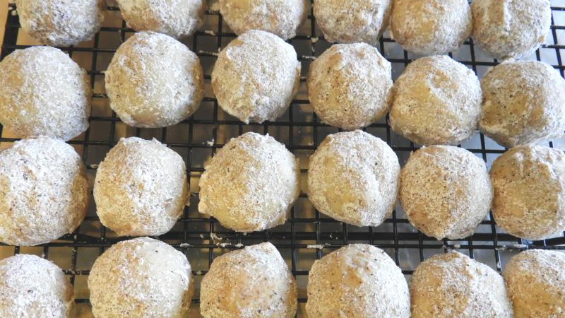 Little Nutmeg Butter Balls - Feature