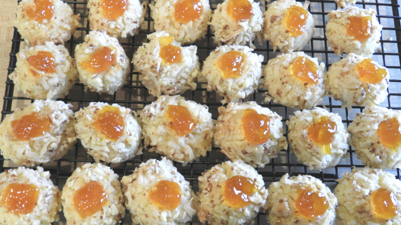 Almonds Apricot Balls - Feature