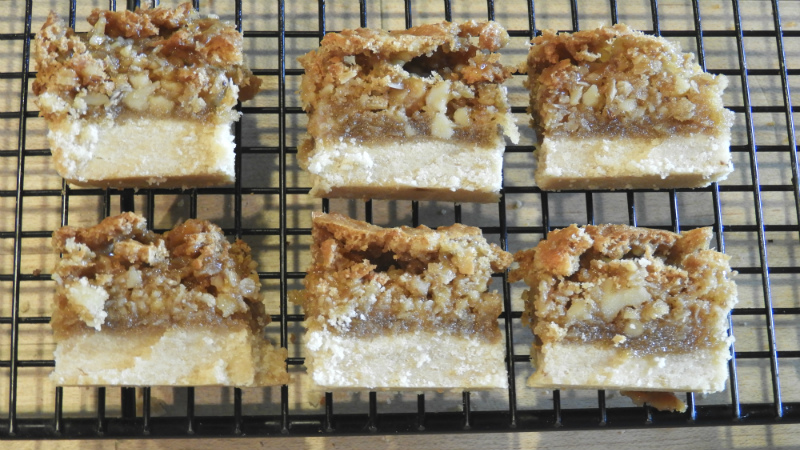 Dream Bars No. 1 - Feature