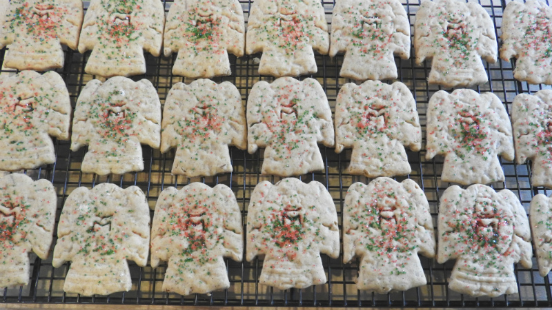 Honey Bran Christmas Cookies - Feature