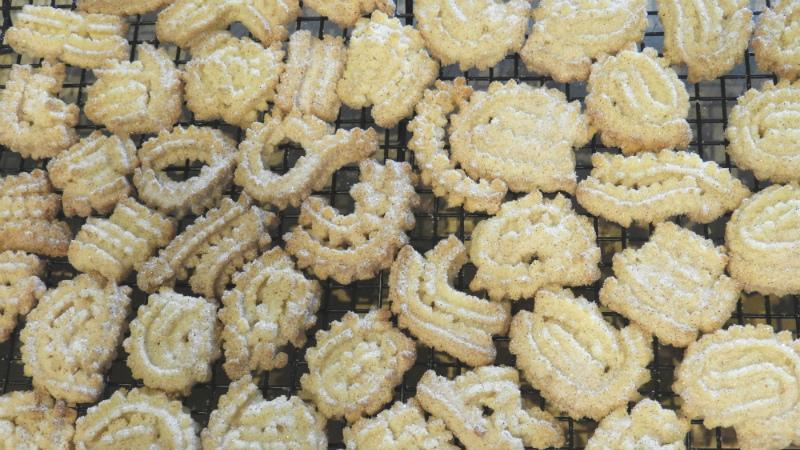 Cinnamon Swirls - Feature