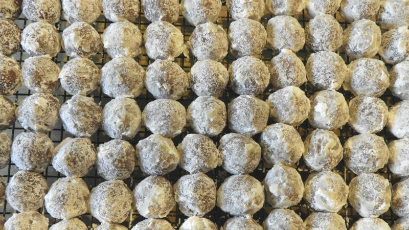 Cocoa Balls - Feature